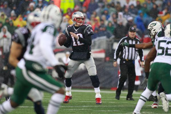 new-england-patriots-maul-new-york-jets-inch-closer-to-no-1-seed
